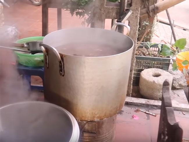 Bếp than tổ ong dùng nấu hủ tiếu
