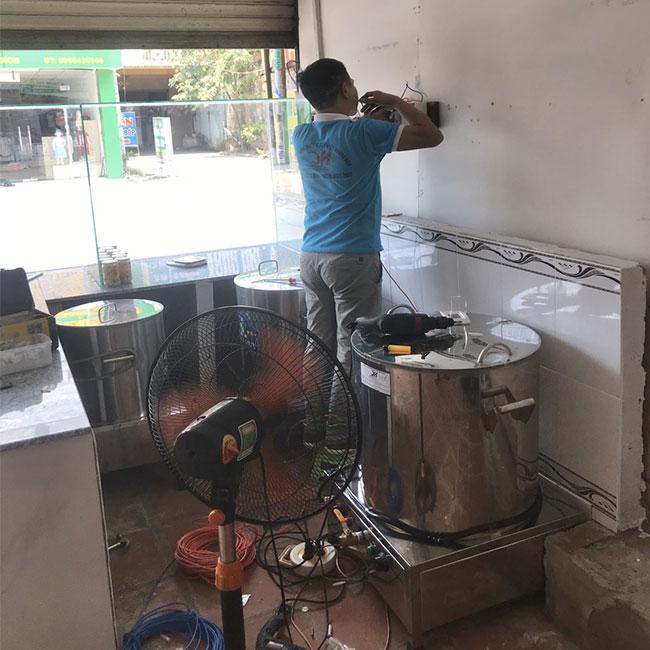 Lắp đặt nồi phở điện Quang Huy cho khách hàng