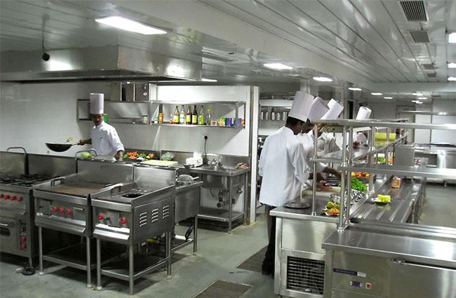Nồi canh điện giải pháp cho các bếp công nghiệp