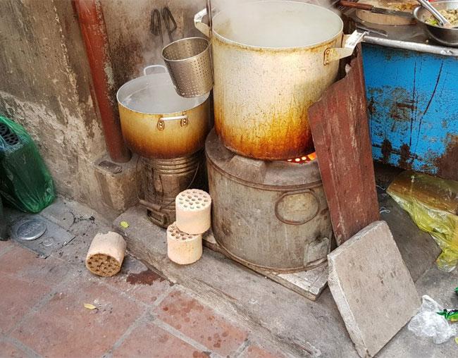 Bếp than tổ ong được dùng trong đun nấu