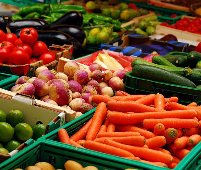 Tính toán kỹ lưỡng chi phí nhập nguyên liệu để đảm bảo có được món ăn luôn tươi ngon mỗi ngày