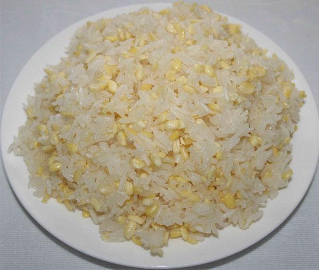 Xôi đậu xanh nước cốt dừa