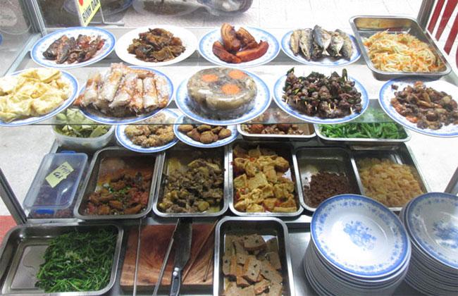 Khay Inox đặt từng loại đồ ăn tiện lợi