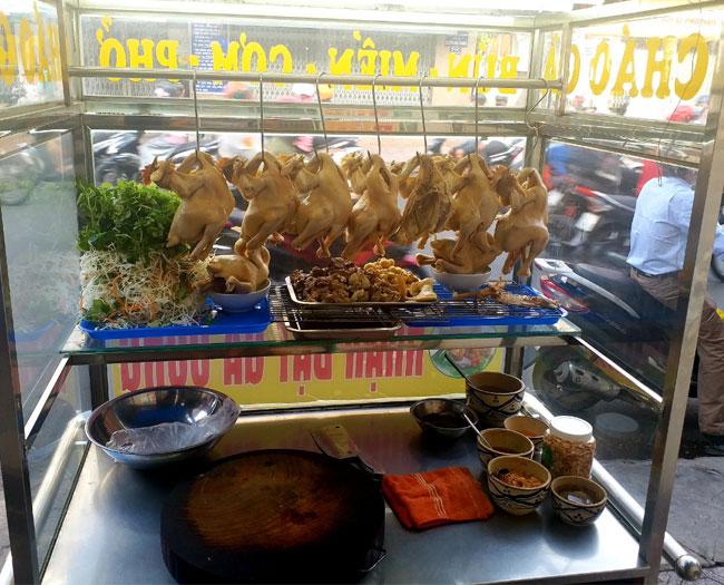 Nồi luộc gà công nghiệp thích hợp cho những quán bán gà vịt luộc, quán phở gà cần luộc gà nhiều mỗi ngày