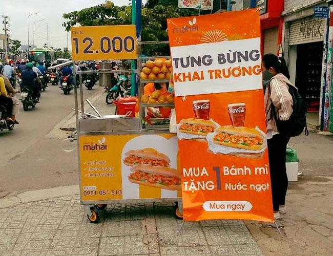 Kinh doanh bánh mì chả cá bằng xe đẩy thu lời khủng