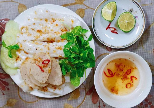 Bánh ướt bột gạo - Món ăn quen thuộc của nhiều người