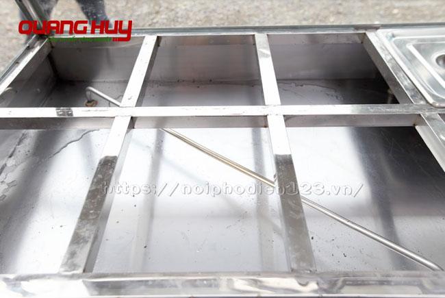 Khoang chứa nước xe hâm nóng đồ ăn