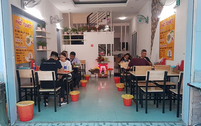 Quán phở, cháo súp lựa chọn lắp đặt nồi điện Quang Huy