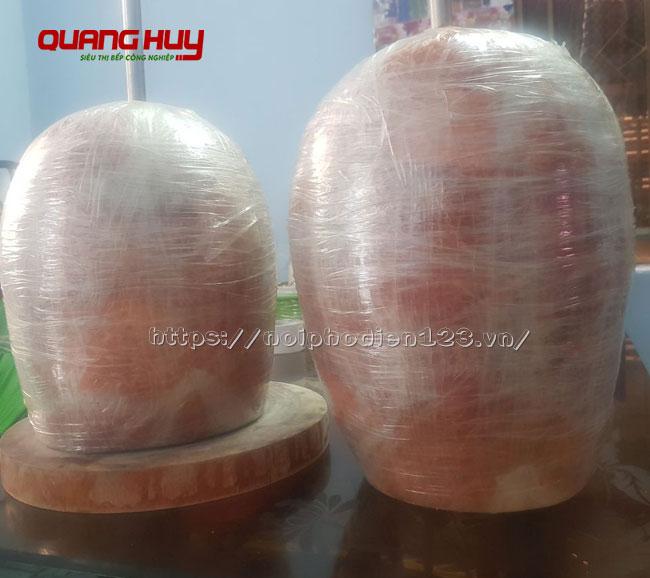 Cây thịt Doner Kebab đã được tẩm ướp các loại gia vị